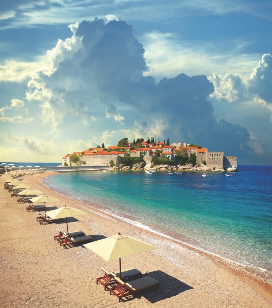 Wyspa Święty Stefan jest popularna wśród turystów, alewdawnych czasach dawała schronienie... piratom.