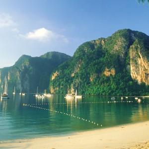 Beach in Pee Pee Island - Thailand