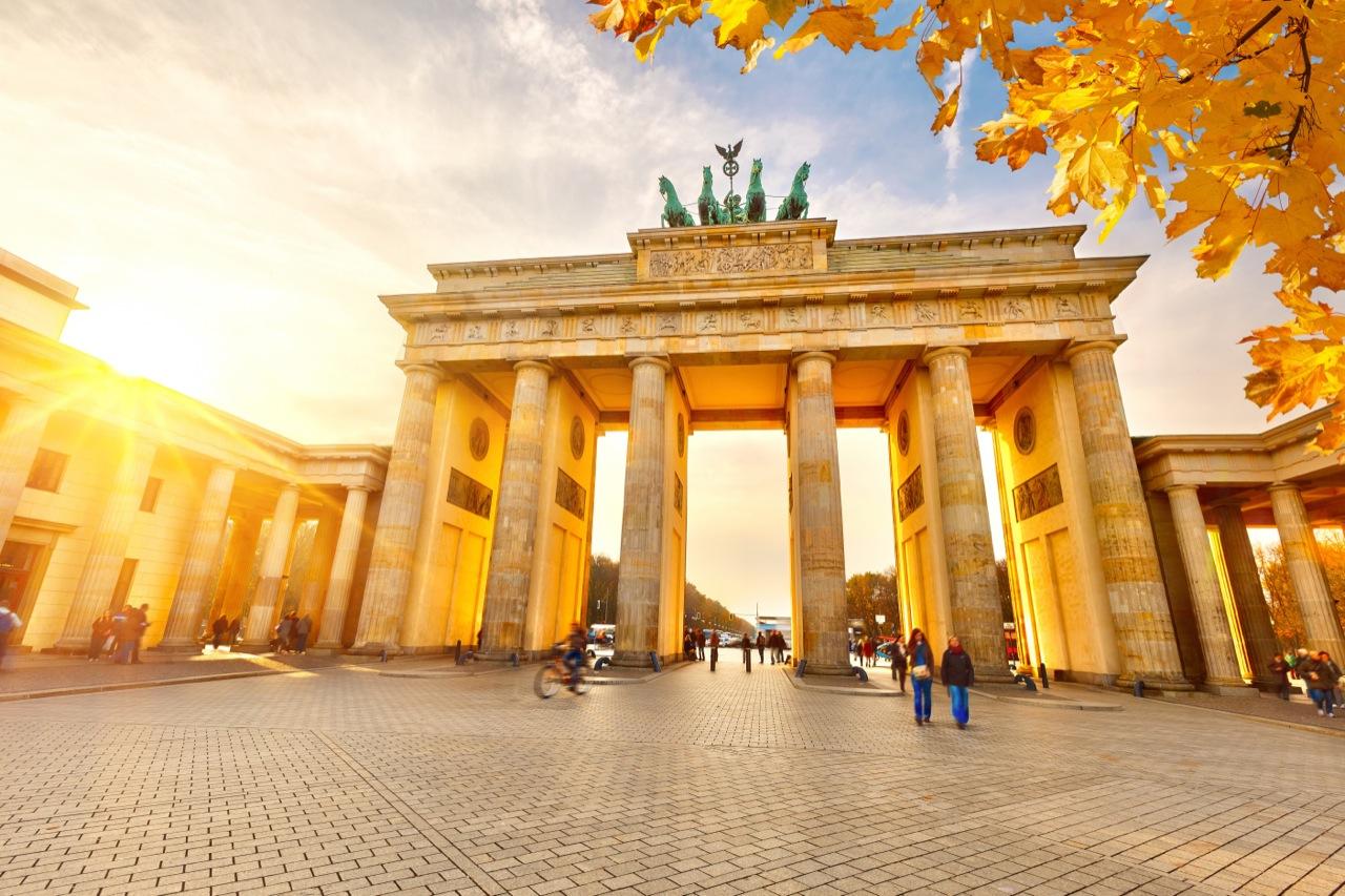 Herzlich willkommen! Berlin jest idealnym miastem naweekendowy wyjazd.