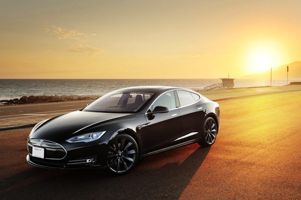 Model S – elektryzujący supercar.