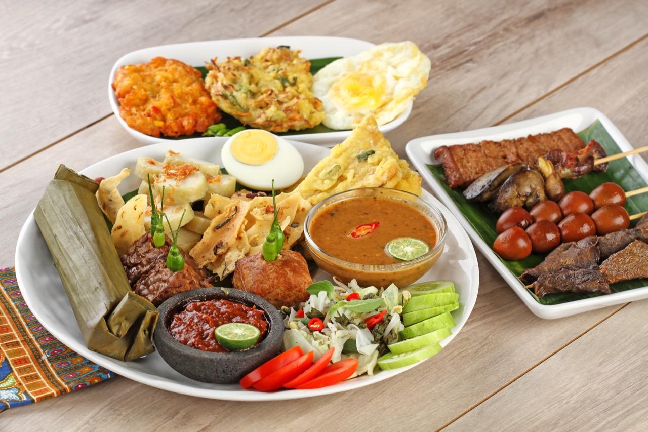 """Indonezyjska kuchnia zadowoli miłośników mieszania smaków, zwłaszcza """"odcieni"""" ostrości."""