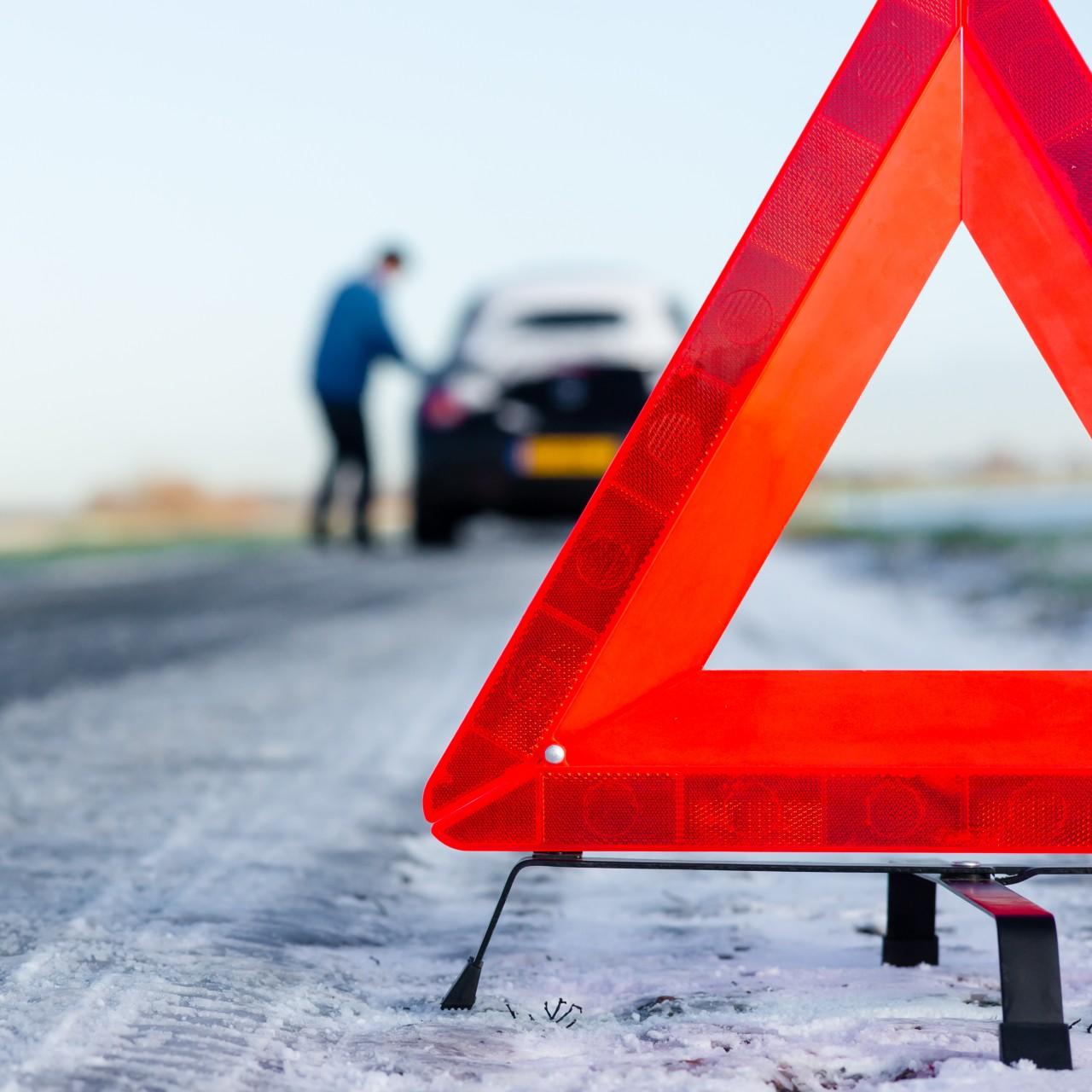 Niemiecka autostrada jest szybka, dlatego zapostój naniej – nawet zpowodu braku paliwa – jest zabroniony.