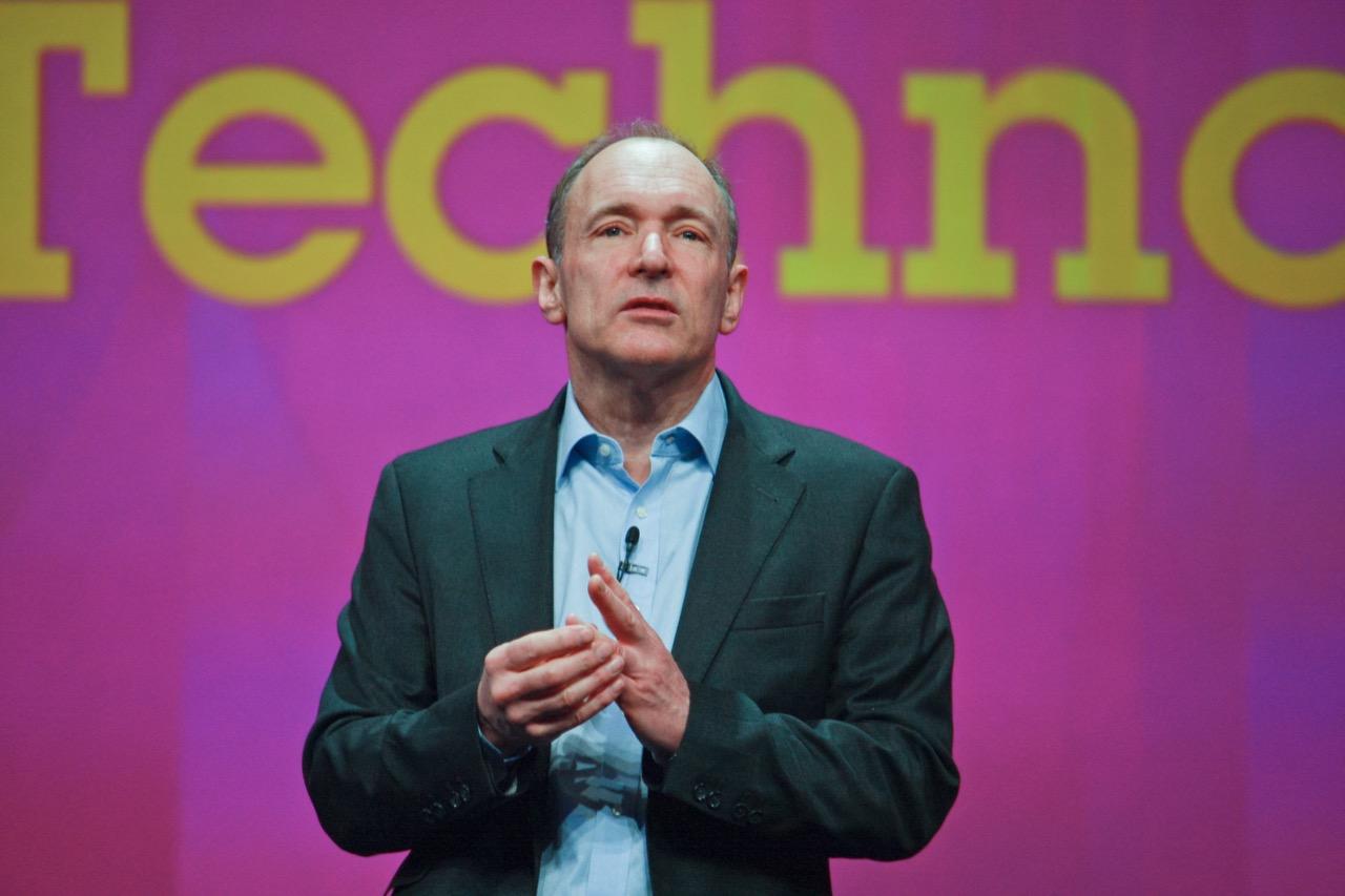 Sir Timothy Berners-Lee – twórca pierwszej strony WWW. / Foto: drserg / Shutterstock.com