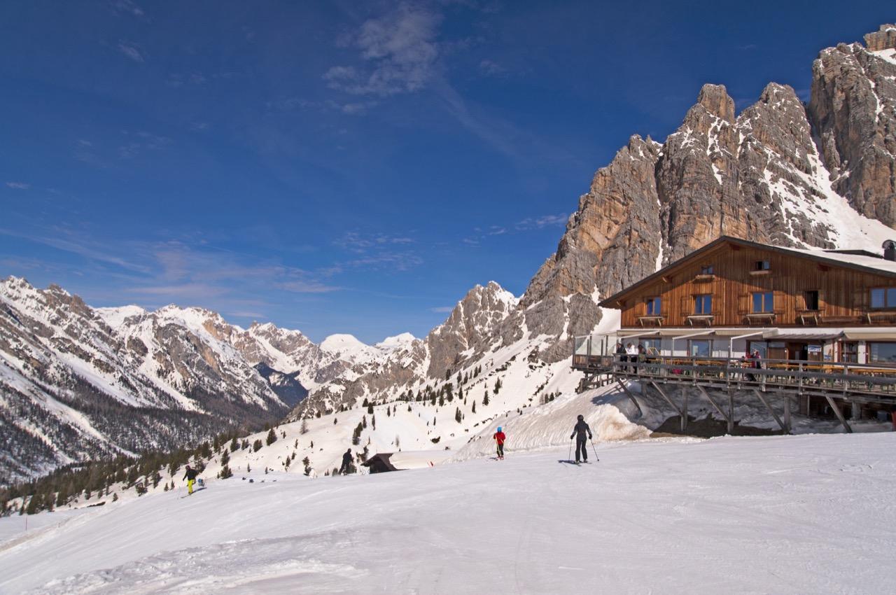 Cortina d'Ampezzo – włoska oaza luksusu isportów zimowych.
