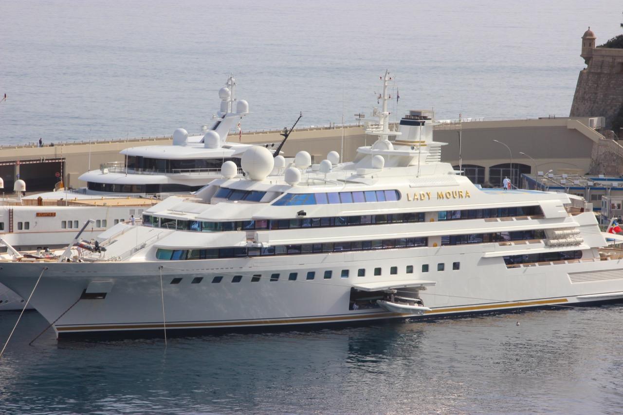 Lady Moura toluksusowa wyspa... zwielkim silnikiem! / Foto: Sibuet Benjamin / Shutterstock.com