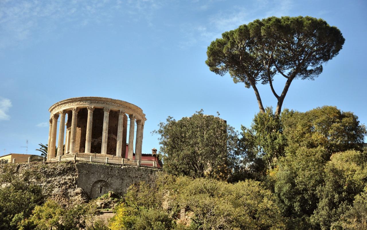 Villa Gregoriana, nieopodal Rzymu, tozaciszny azyl godny rzymskich bogów.