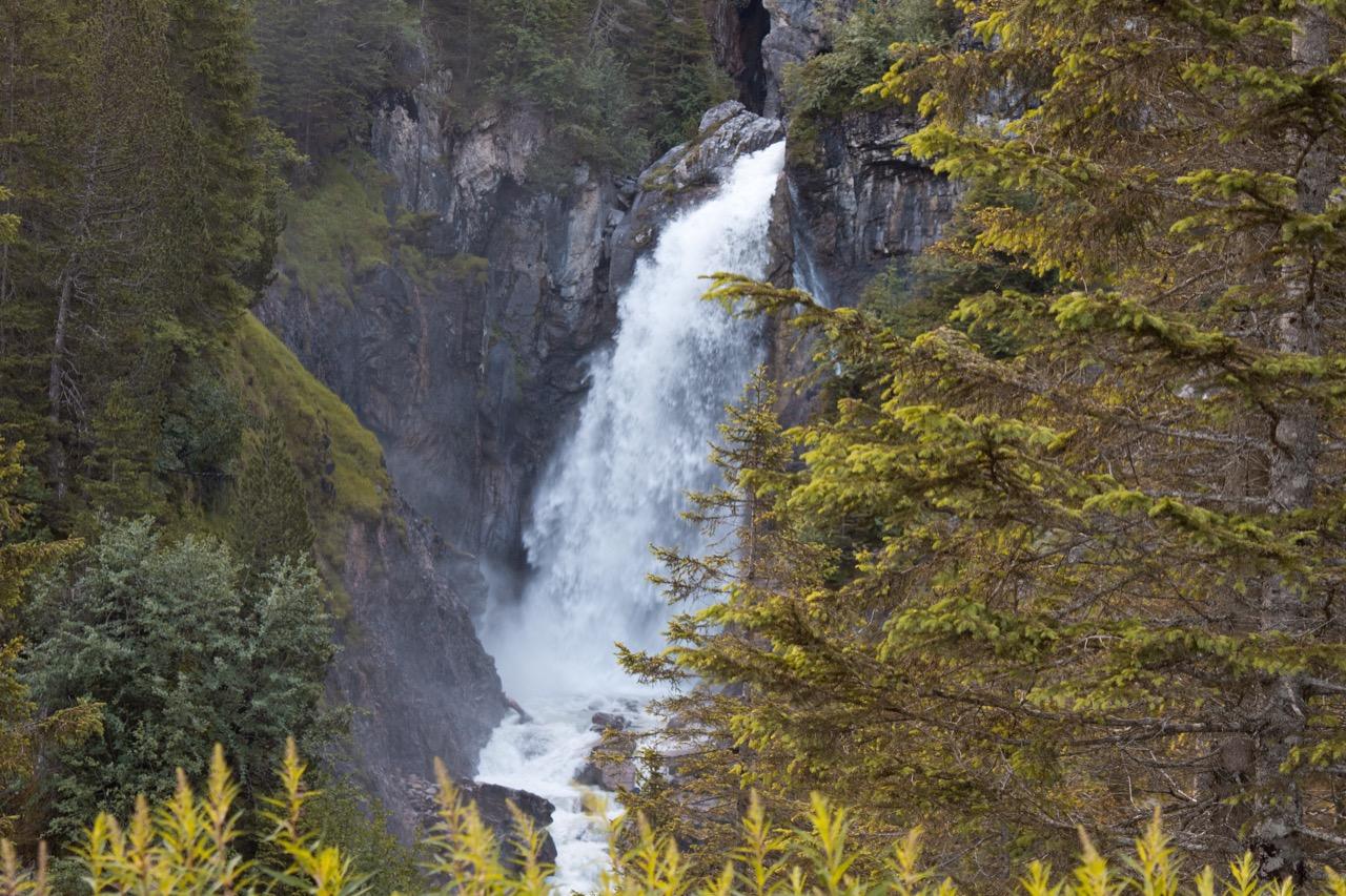 """Wodospad Reichenbach, uwieczniony przezConana Doyle'a w""""Sherlocku Holmesie""""."""